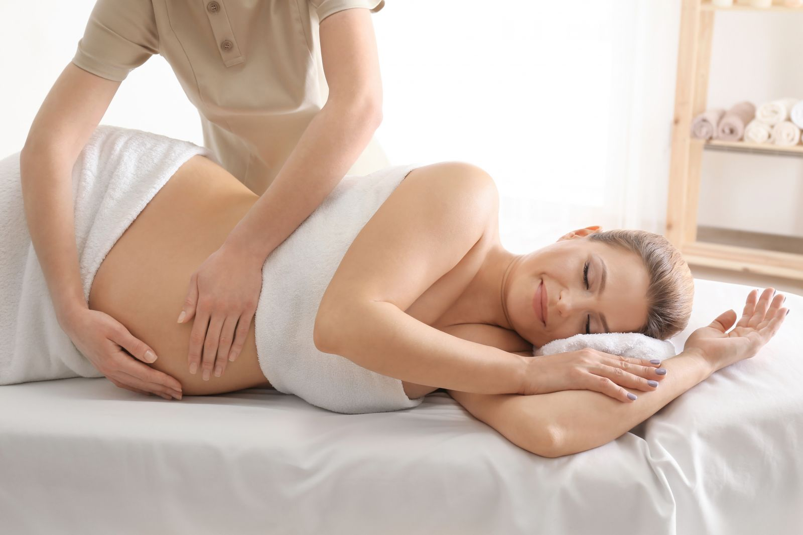 what are the benefits and risks of prenatal massage